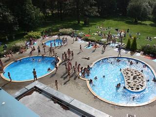 Krytý a venkovní bazén Aš